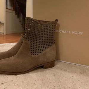 * NEW* Michael Kors Graham Ankle Boot